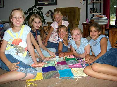 4-H blanket and girls